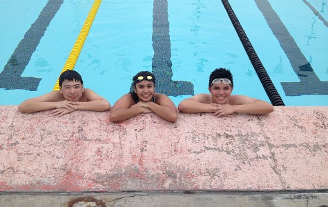 Swim Team Swimmingly Dives into Spring Season